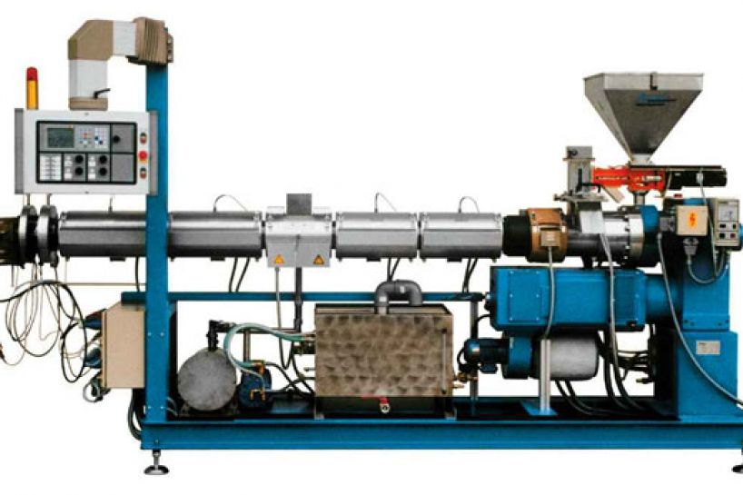 Single screw recycling extruders