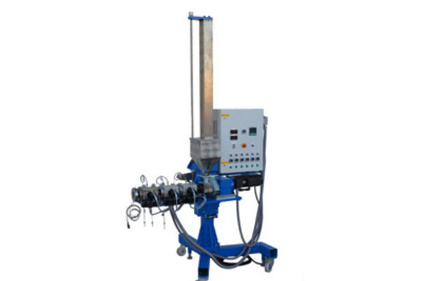 single screw extruder AE 1-25-30-6 (build on universal stands)